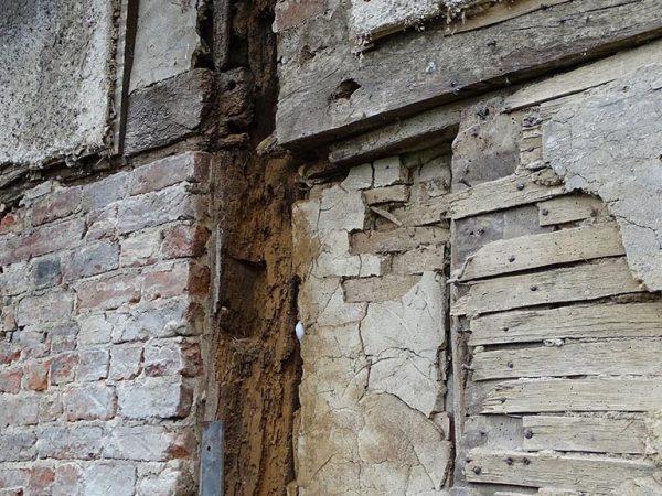 Timber 17thC frame cottage repair